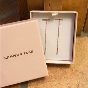 SUMMER AND ROSE Dangling Earrings